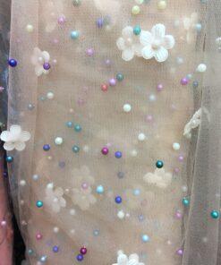 Tull cu perle colorate si flori rochii