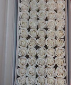 Flori de sapun alb