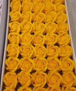 Flori de sapun galben