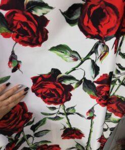 Material tafta cu trandafiri