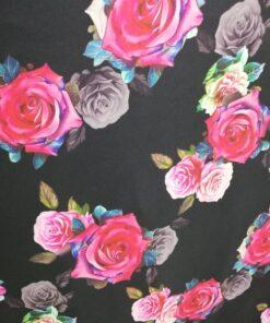 Vascoza cu trandafiri